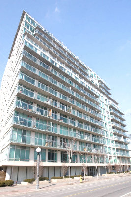 atrium on queens quay waterfront condos